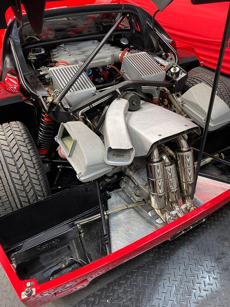 Ferrari F40 engine detailing process