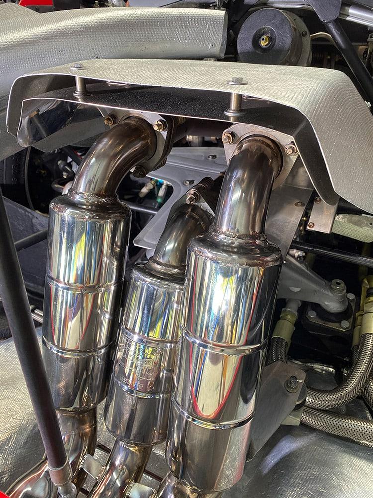Ferrari F40 exhaust detailing
