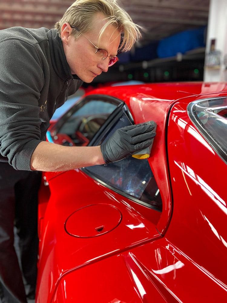 Ferrari F40 micheal car detailing