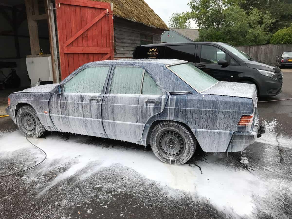 mercedes 190 car detailing